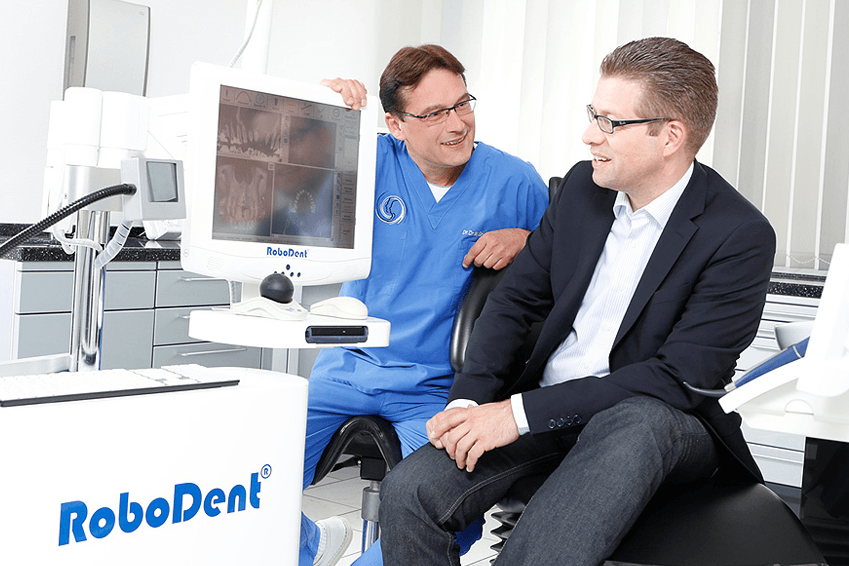 Implantologie in Dortmund mit Robodent