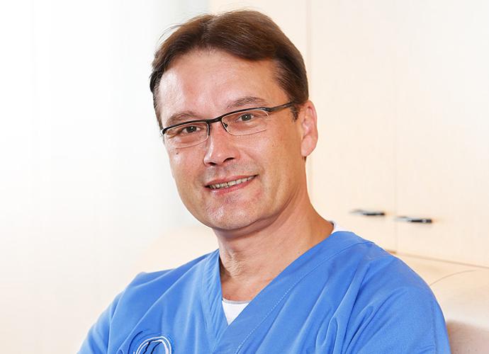 Ihr Mund-, Kiefer- und Gesichtschirurg in Dortmund: Dr. Maick Griebenow