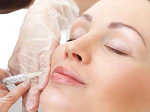 Mit Botox Falten effektiv reduzieren