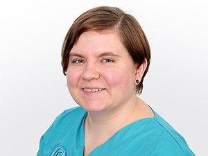 Justine Czubak Zahnmedizinische Fachangestellte und Chirurgische Assistentin